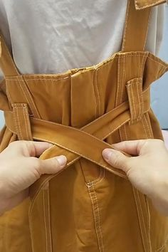 Diy Fashion Hacks, Fashion Tips, Boho Fashion, Diy Clothes And Shoes, Diy Crafts Hacks, Clothing Hacks, Useful Life Hacks, How To Make Bows, How To Tie Bow