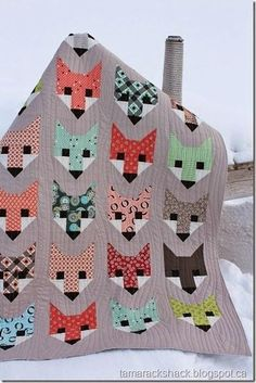 Fancy Fox Quilt (I like the wood grain quilting)   by Heather and quilted at Tamarack Shack