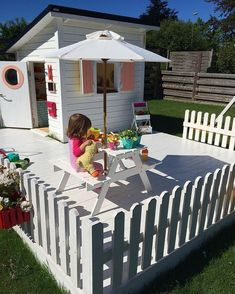 30 Free DIY Playhouse Plans to Build for Your Kids' Secret Hideaway #buildplayhouses