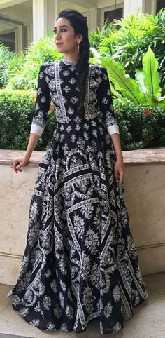 The actor stepped out in a printed maxi by Rahul Mishra. She finished her look with a braid and some silver jewellery. Dress Indian Style, Indian Outfits, Casual Dresses, Fashion Dresses, 15 Dresses, Indian Designer Suits, Indian Gowns, Maxi Gowns, Classy Outfits