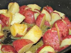 Butter Steamed New Potatoes (Smordampete Nypoteter)