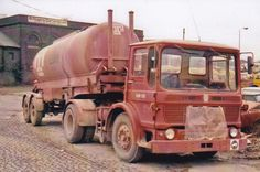 COL PHOTO TUNNEL CEMENT AEC MANDATOR ARTIC BULK TANKER - P REG #Notapplicable Old Lorries, Commercial Vehicle, Vintage Trucks, Classic Trucks, Big Trucks, Buses, Cement, Britain, Castle