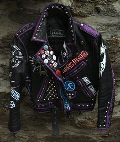 Fuck Yeah Punk Jackets : WANT IT! Custom Clothes, Diy Clothes, Punk Outfits, Fashion Outfits, Style Punk Rock, Punk Mode, Painted Leather Jacket, Custom Leather Jackets, Punk Jackets