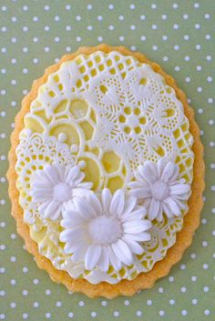 Lemon and Lace Cookies with Butterflies