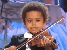 Realizing that no matter how much you practice, you will never be as good as that one virtuoso kid in the front row. 25 Problems Only People Who Have Played In A School Orchestra Will Understand Music Memes, Music Humor, Music Quotes, Orchestra Humor, Orchestra Concerts, Musician Jokes, Violin Music, Cello, Teacher Problems