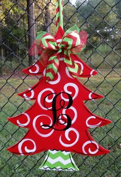 Christmas Tree with Monogrammed initial door decoration door hanger wreath Hey, I found this really Grinch Christmas Tree, Christmas Tree Painting, Wooden Christmas Trees, Christmas Yard, Christmas Signs, Christmas Projects, Holiday Crafts, Christmas Wreaths, Christmas Decorations