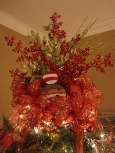 I Need Mom!: Why Doesn't My Tree Look Like Yours? Christmas Tree Decorating 101
