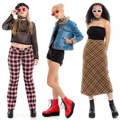 Plaid faux fur tinted sunglasses and more all up now in the shop! Estilo Hip Hop, Estilo Retro, Grunge Fashion, Cute Fashion, Fashion Outfits, Aesthetic Fashion, Aesthetic Clothes, Look Retro, 2000s Fashion