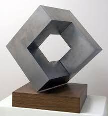 Resultado de imagen para esculturas abstractas geometricas de carton