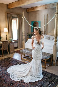 South African destination wedding.   Photography: Kikitography / Florist: Leipzig Reception venue: La Petite Dauphine / Bridal gown: Inbal Dror.