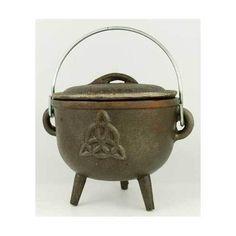 """Triquetra cast iron cauldron 4 1/2"""""""