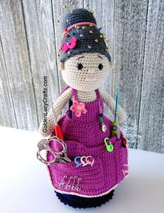 Crochet Crafter Granny Organizer Free Pattern - Knit And Crochet Daily Crochet Unicorn, Crochet Bunny, Cute Crochet, Irish Crochet, Crochet Dolls, Easy Crochet, Crochet Flowers, Doll Amigurumi Free Pattern, Apron Pattern Free