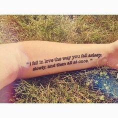 Soy Bibliotecario: Tatuajes literarios: las letras sobre la piel