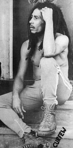 Bob Marley TARDE DE REGGAE Y SKA lunes a viernes desde las 18 horas. Pone http://www.radiodelospueblos.blogspot.com.ar/ o www.radiodelospueblos.com y escúchanos por internet !!!
