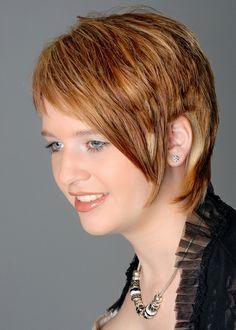 Frisuren Kurz Beautiful Hair Color, Cool Hair Color, Modern Hairstyles, Fancy Hairstyles, Curly Hair Styles, Natural Hair Styles, Loose Curls, Stylish Hair, Jennifer Aniston