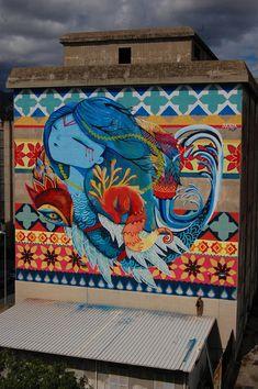 Mediterránea es el título del mural realizado para Distrart 2015 en la ciudad de Messina. El mural de 20m alto por 16 de ancho recoge la temática del festival y trata la problemática del Mediterrán…