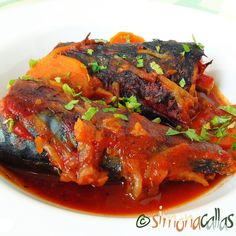 Macrou dietetic la cuptor in sos de rosii (o reteta sanatoasa si savuroasa) - simonacallas Ratatouille, Tandoori Chicken, Seafood, Fish, Ethnic Recipes, Salads, Sea Food, Pisces, Seafood Dishes