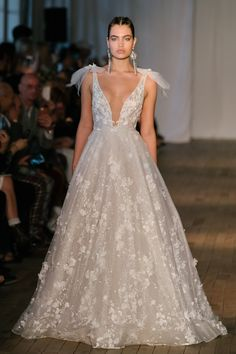 Wedding Dress Trends from Spring 2019 Bridal Fashion Week. In Pic: Trendy Bows and plunging neckline, from Wedding dress by Berta. Wedding Dress Necklines, Top Wedding Dresses, Wedding Dress Trends, Bridal Dresses, Wedding Gowns, Berta Bridal, Bridal Jumpsuit, Minimalist Wedding Dresses, Bridal Fashion Week