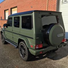 Matte green g wagon