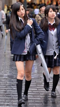 Check out these Japanes theme cosplay characters. Japanese School Uniform Girl, School Uniform Skirts, School Girl Japan, School Girl Outfit, Japan Girl, Girl Outfits, Teen Mini Skirt, Girls In Mini Skirts, Schoolgirl Style