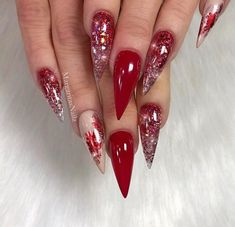 Here are the best Christmas acrylic nails designs, cute Christmas nails and red Christmas nails 2018 that We've Cherry Picked, to act as an inspiration for you! Red Stiletto Nails, Red Acrylic Nails, Glam Nails, Glitter Nails, Red Glitter, Bling Nails, Red Ombre Nails, Glitter Balloons, Glitter Glue