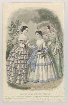 J. Desjardins   Magasin des Demoiselles, 25 juillet 1855, J. Desjardins, Delamain, Sarazin, 1855   Drie vrouwen in een tuin. Links: gestippelde japon met boothals, korte mouwen en puntig lijfje. Midden: witte japon versierd met lichtblauwe strikken en band. Bloemenkrans om de arm. Rechts: groene japon met wijd uitlopende mouwen en ondermouwen met geschulpte zoom. In de hand een gestreepte parasol afgezet met franjes. Onder de voorstelling enkele regels informatie over het modetijdschrift…