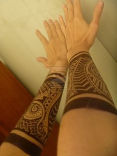 Fake tattoo but I do like the full forearm kinda warrior look.