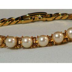 Elegant Vintage Pearl Bracelet by GoldiesNaturalGems on Etsy ($13) via Polyvore