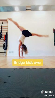 Gymnastics For Beginners, Gymnastics Tricks, Gymnastics Skills, Gym Workout For Beginners, Easy Gymnastics Moves, Gymnastics Poses, Full Body Gym Workout, Gym Workout Tips, Fitness Workout For Women