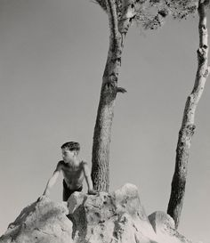 Herbert List's Greek Gods and Humans Herbert List, Modern Photography, Black And White Photography, Street Photography, Old Pictures, Old Photos, Vintage Photos, The Last Summer, Santorini Island