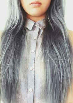 Grunge Styled Bleached Hair - http://ninjacosmico.com/18-must-have-grunge-accessories-clothing/13/