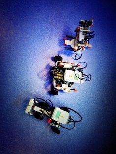 e-peel me off installation interactive avec les 3 robots, c. Installation Interactive, Robots, Contemporary Art, Robot