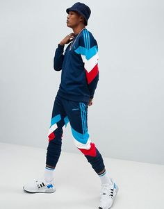 Find the best selection of adidas Originals Palmerston Sweatpants In Navy Shop today with free delivery and returns (Ts&Cs apply) with ASOS! Adidas Retro, Vintage Adidas, 90s Retro Clothing, Mens Cotton Shorts, Adidas Outfit, Sporty Outfits, Mode Vintage, Mens Clothing Styles, Adidas Originals