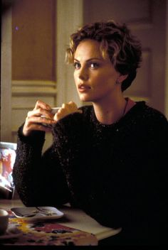 Charlize Theron (Sara Deever dans Sweet November) Obsessed with this one! Loved this script!