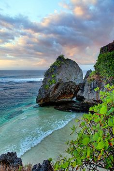 Uluwatu - Bali, Indonesia | Flickr - Photo Sharing!