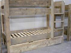 Stapelbed gemaakt van oud of nieuw steigerhout (1290300163HHST)