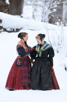 The two young ladies are wearing bunads from Røros, Norway. The local costume tradition has been heavily influenced by the Biedermeier and the New Roccoco fashions Copyright-Laila-Duran Folk Costume, Costume Dress, Costumes, Folk Clothing, Historical Clothing, World Cultures, Traditional Dresses, Scandinavian, Beautiful People