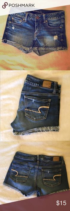 """American Eagle Outfitters denim shorts- size 4 Soft and comfortable denim shorts from AEO. Size 4, """"super stretch"""" American Eagle Outfitters Shorts Jean Shorts"""