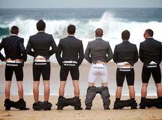 Delightful Groomsmen Photos That Are So Creative - Awesome Wedding Photos