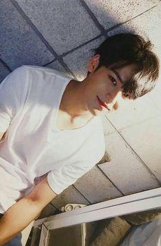 you got games on your phone? Woozi, The8, Mingyu Wonwoo, Seungkwan, Carat Seventeen, Mingyu Seventeen, Seventeen Debut, Hip Hop, Vernon