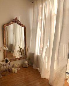 Décoration : salon beige - Home decor - - Cream Aesthetic, Classy Aesthetic, Brown Aesthetic, Aesthetic Vintage, Aesthetic Design, Aesthetic Collage, Aesthetic Photo, Modern Design, My New Room