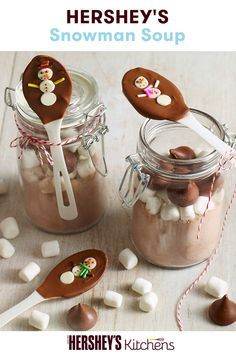 Whether it's for cold winter nights or for a holiday gift, this HERSHEY'S Cocoa Snowman Soup Craft is the ultimate recipe for the holidays. Learn how to make this declious and easy-to-make gift at HERSHEY'S.