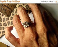 SALE TODAY Interlocking Puzzle Ring 1960s Vintage by Glamaroni