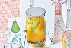 Vor dem Start:Gläser sterilisieren!Wichtig ist es, vor dem Einkochen die Gläser und Deckelsorgfältig zu säubern und dann zu sterilisieren. Und so wird'sgemacht:Gläser und Deckel ...