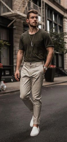 Mens Wardrobe Essentials, Men's Wardrobe, Wardrobe Design, Stylish Mens Outfits, Casual Outfits, Guy Outfits, Casual Wear, Fashion 2020, Look Fashion