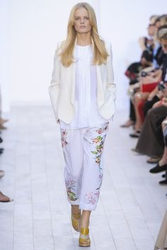 Chloé Spring 2012 Ready-to-Wear Fashion Show - Hanne Gaby Odiele (IMG)