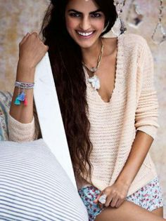 Hourglass knit pullover + bracelet <3