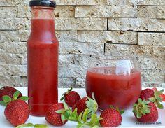 Nectar de căpșuni pentru iarnă - rețeta fără conservant   Savori Urbane Dessert Recipes, Desserts, Hot Sauce Bottles, Cooking, Food, Syrup, Canning, Fine Dining, Essen