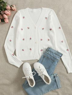 Crop Top Outfits, Girly Outfits, Cute Casual Outfits, Outfits For Teens, Teen Winter Outfits, Kpop Fashion Outfits, Girls Fashion Clothes, Jeans Fashion, Really Cute Outfits