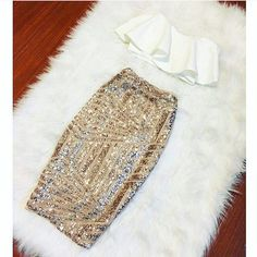 Fashionable High Quality Design clothing for women that highlights soft vibrant fabrics with a great fit and quality. Stylish trendy affordable dresses for women. Mode Outfits, Skirt Outfits, Cute Dresses, Short Dresses, Sequin Pencil Skirt, Sequin Skirt Outfit, Gold Sequin Dress, Gold Sequins, Affordable Dresses